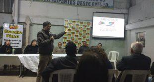Claudio Piteri fala a lideranças