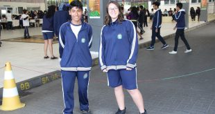 dois alunos com os modelos de inverno