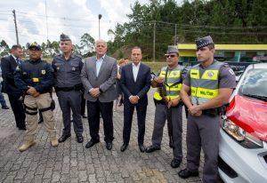 doria, policiais e autoridades posam para foto