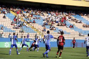 oeste e São Raimundo disputando partida da Copa São Paulo de Futebol Júnior 2019