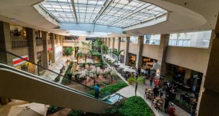 """Alpha Square Mall atrai visitantes e turistas como """"shopping jardim"""" de Alphaville"""