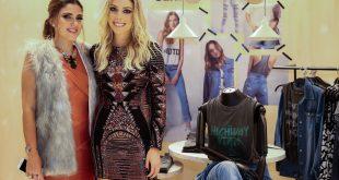 Daniele Mattar e Fabiana Justus lado a lado perto de alguns manequins na Pop Up Store
