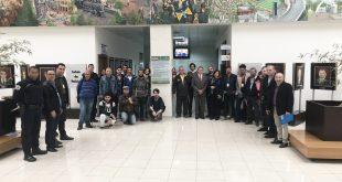 pessoas reunidas na Câmara de Barueri durante a entrega da placa de instalaçao modelo de sustentabilidade