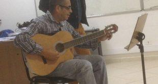 aluno e professor das oficinas de artes