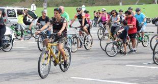 ciclistas participam da pedalada verde em comemoração ao Dia Mundial do Meio Ambiente em Barueri