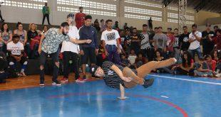 dançarinos participam do 1º Festival de Dança Breaking em Barueri (Boom Breaking)