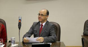 Julio Portela durante sessão na Câmara de Itapevi