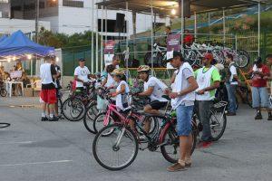 ciclistas prestes a darem início a um passeio