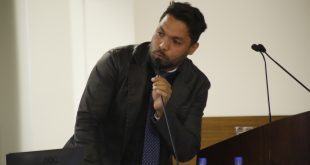 Vereador Chambinho discursa durante sessão na Câmara de Itapevi