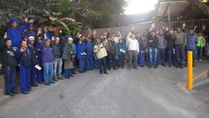 metalurgicos de Osasco e região se mobilizam no pátio da Onix