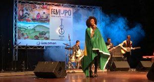 músicos se apresentando no palco do Femupo 2017