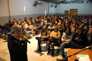 servidores lotam auditório para assistir a aula da UNIBB