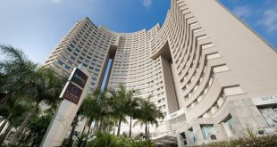 Fachada dos hoteis Comfort Suites e Radisson Alphaville