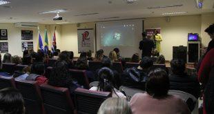 mulheres lotma auditório em palestra sobre os 12 anos da lei maria da penha