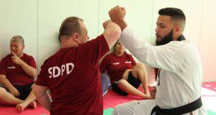 instrutor Kayque Pereira Ramos, treinando um aluno da SDPD