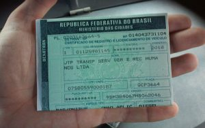 Documento de ônibus escolar que atende a EMEF Profª Naly Benedicta Bocegatto Camargo Mancini, em Barueri