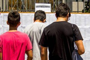 candidatos converindo lista de convocados do vestibulinho da etec