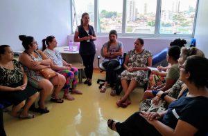 participantes do grupo de apoio reunidos em encontro