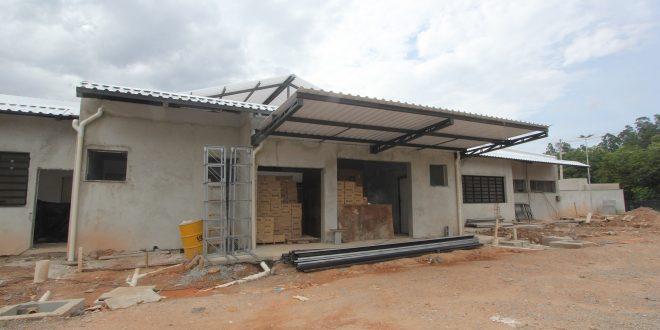 fachada da futura casa de passagem da aldeia de barueri em obras