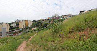 vista do terreno onde serão construídos os apartamentos