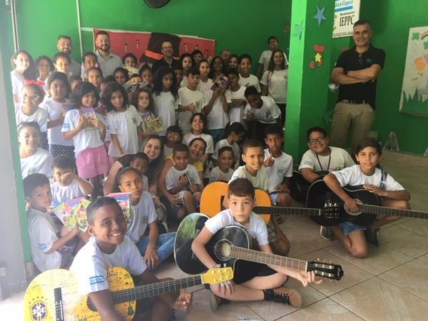 Iniciado em 2009, o projeto da Atlas Copco atualmente auxilia 80 crianças de comunidades carentes