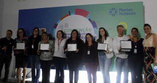 Plataforma Mentes Notáveis homenageia 3 mil professores da rede