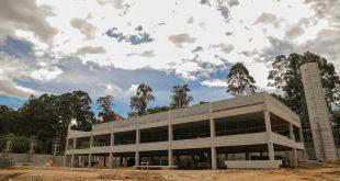 Barueri/SP – Nova escola do Jardim Belval tem mais de 30% dos serviços prontos