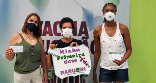 Barueri/SP – Final de semana foi emocionante para professores que tomaram primeira dose da vacina
